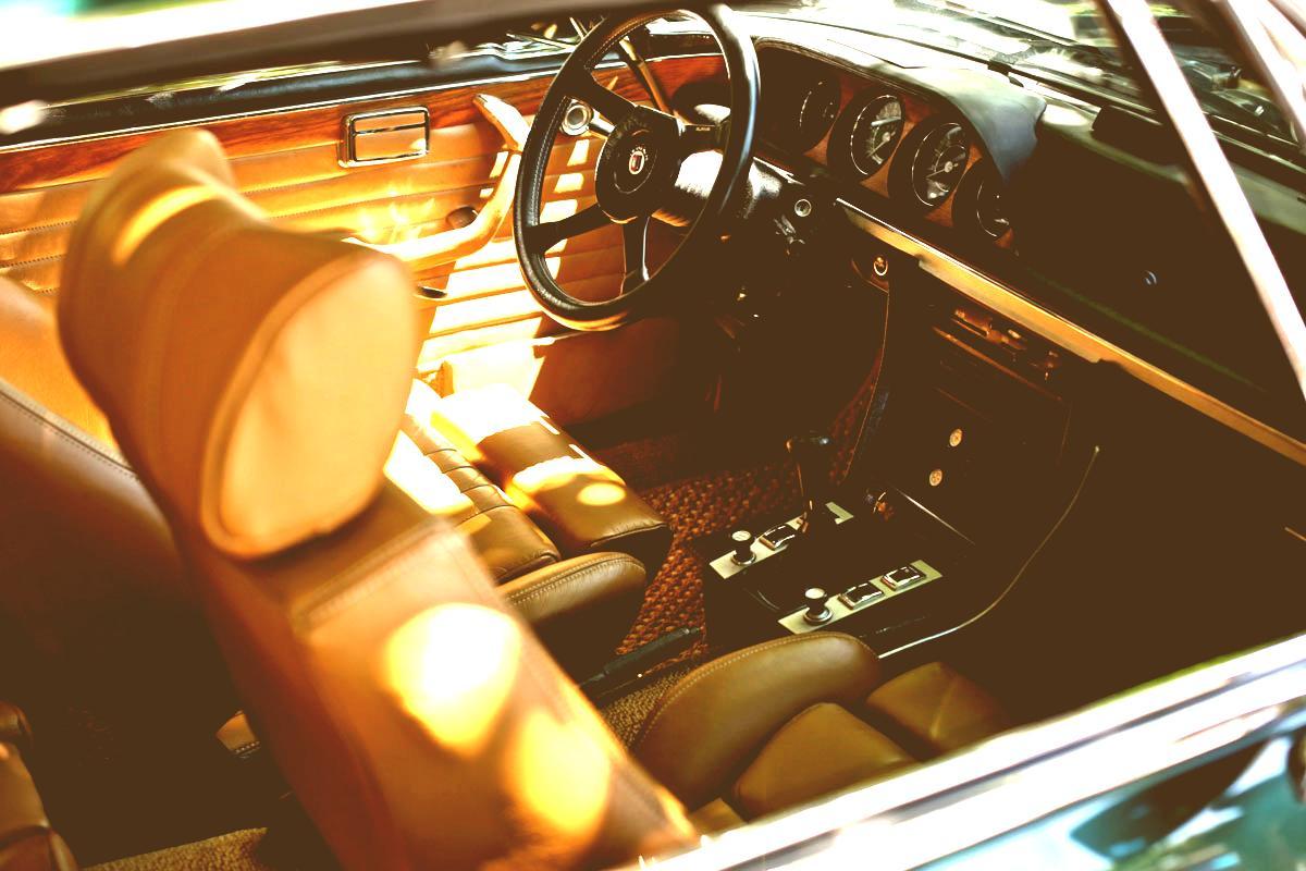 gallery-car-4-antique.jpg