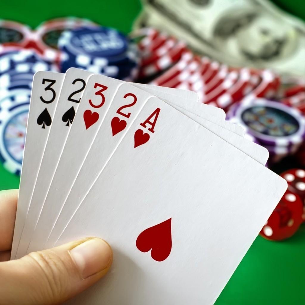 a_Gambling-1-Large-1024x1024.jpg
