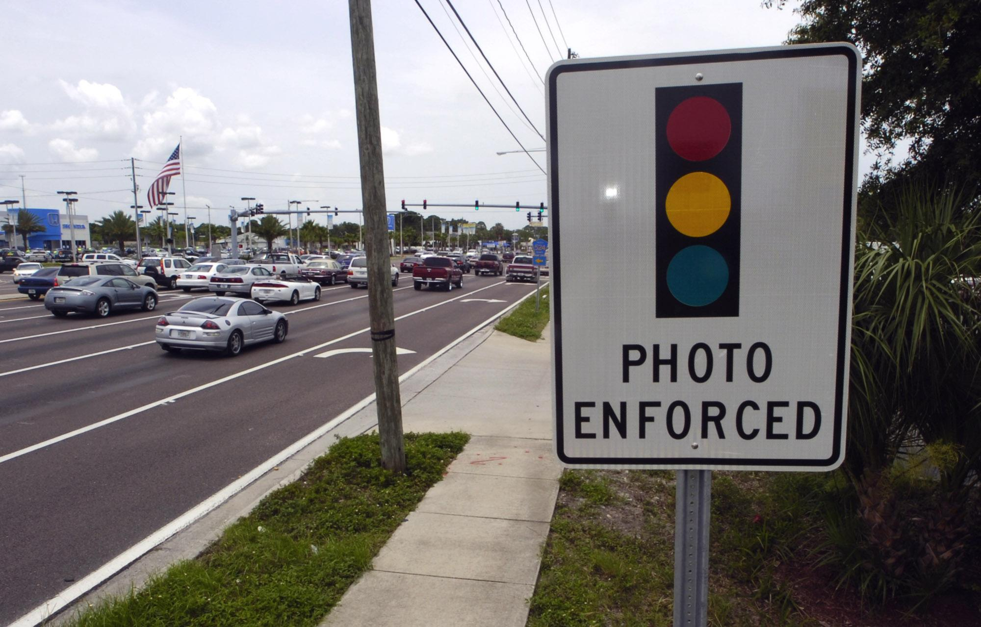 House votes to bar use of red light cameras to monitor ...