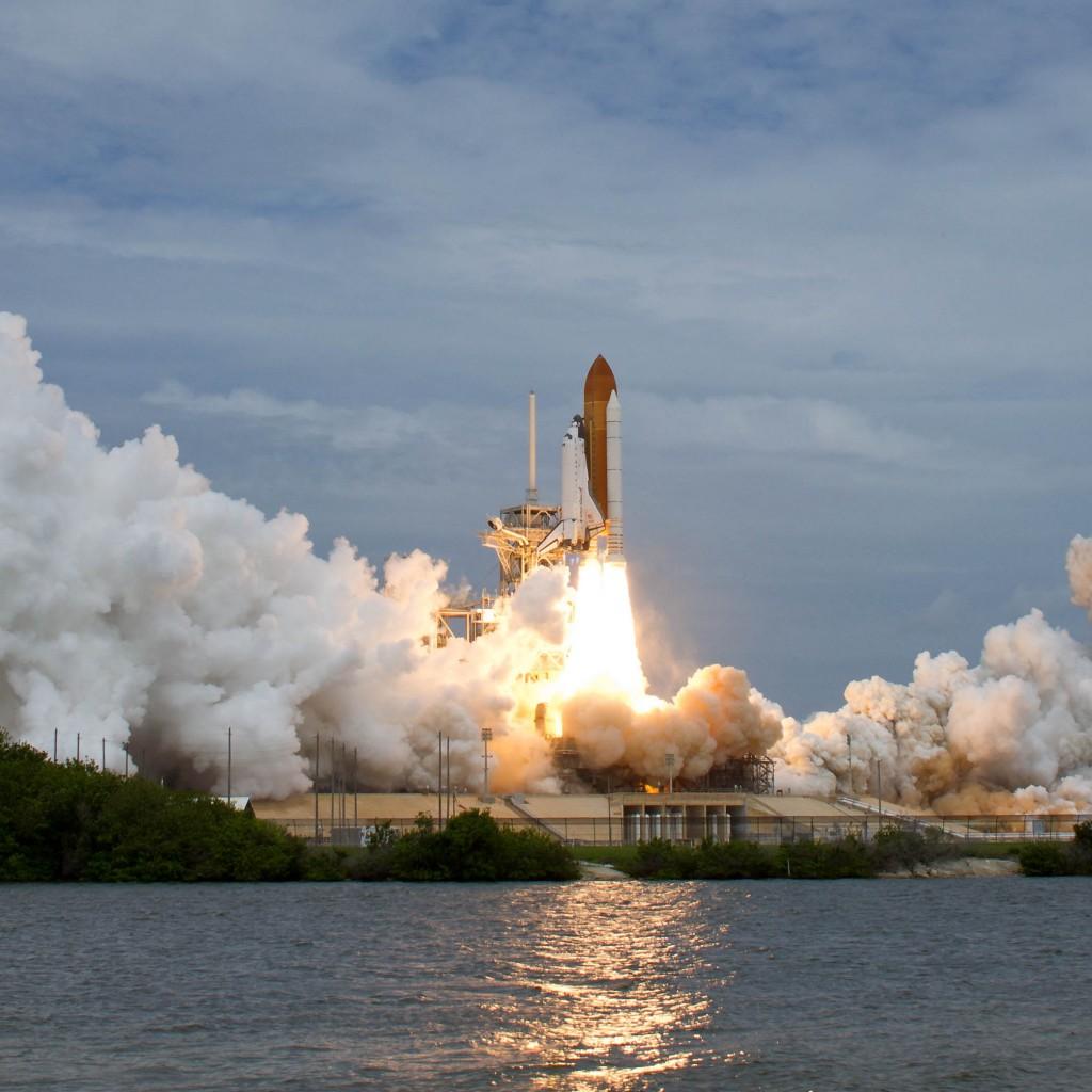 STS-135_begins_takeoff-1024x1024.jpg