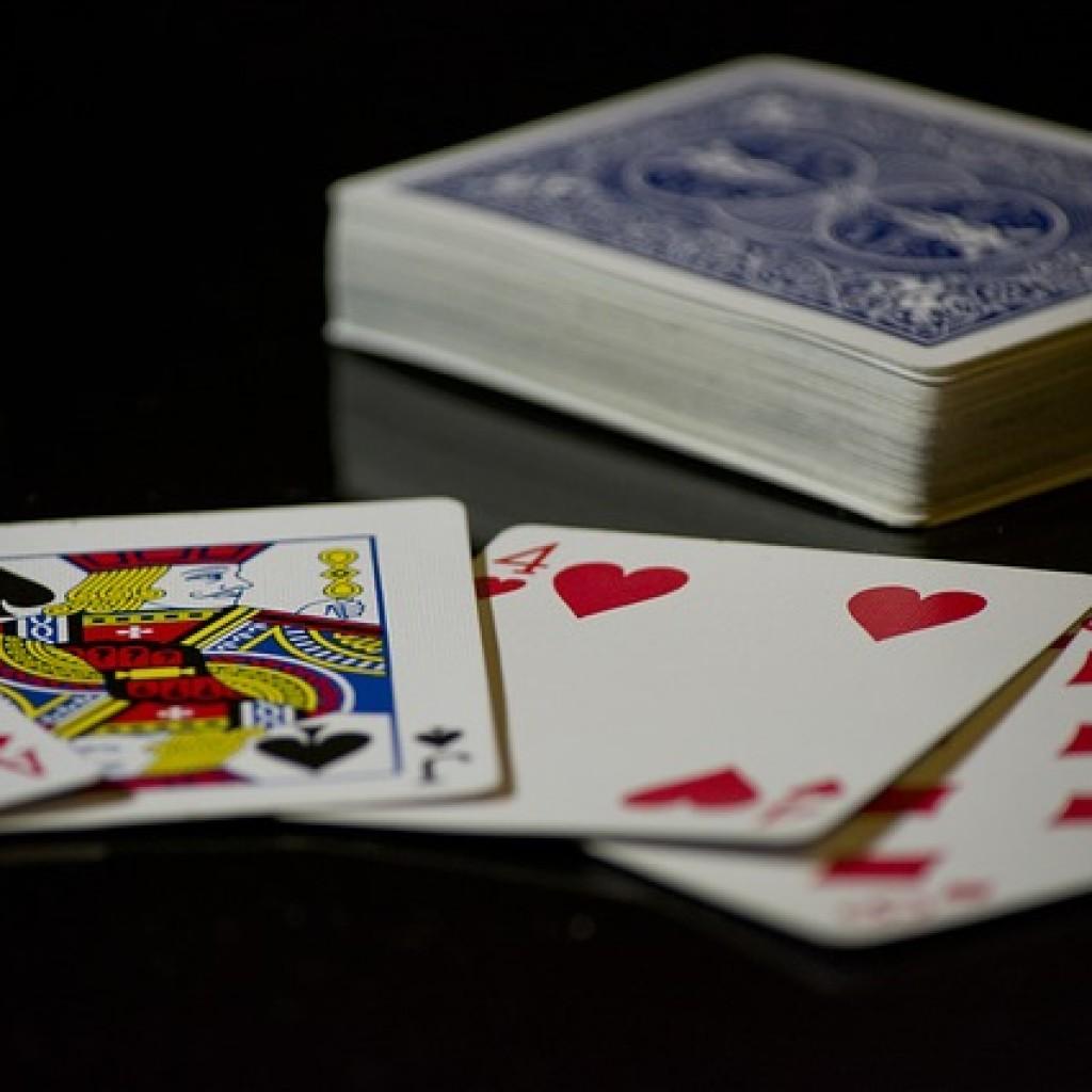 cards-619016_640-1024x1024.jpg