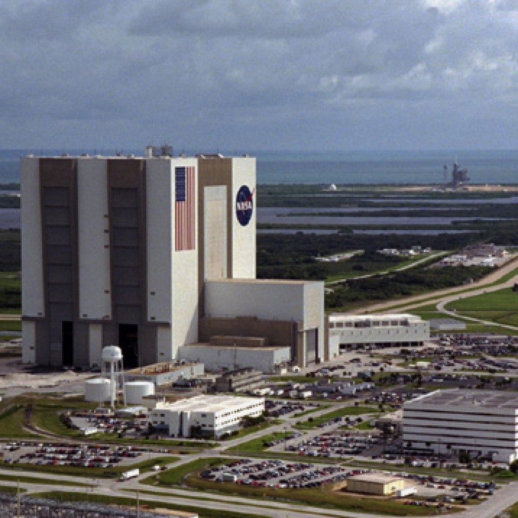 Kennedy-VAB-and-LC39-1024x1024.jpg