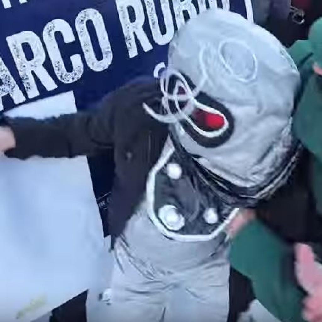 Robot rubio protestor