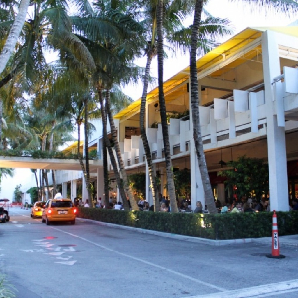 bal-harbour-shops-miami-fl-usa-shopping-shopping-malls-and-centers-858210_54_990x660_201406011122
