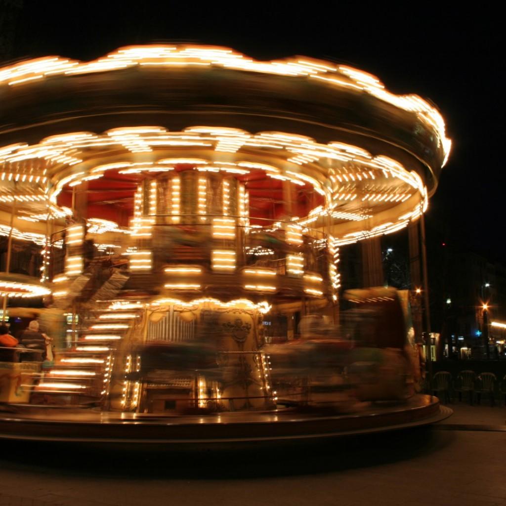 merry-go-round (Large)