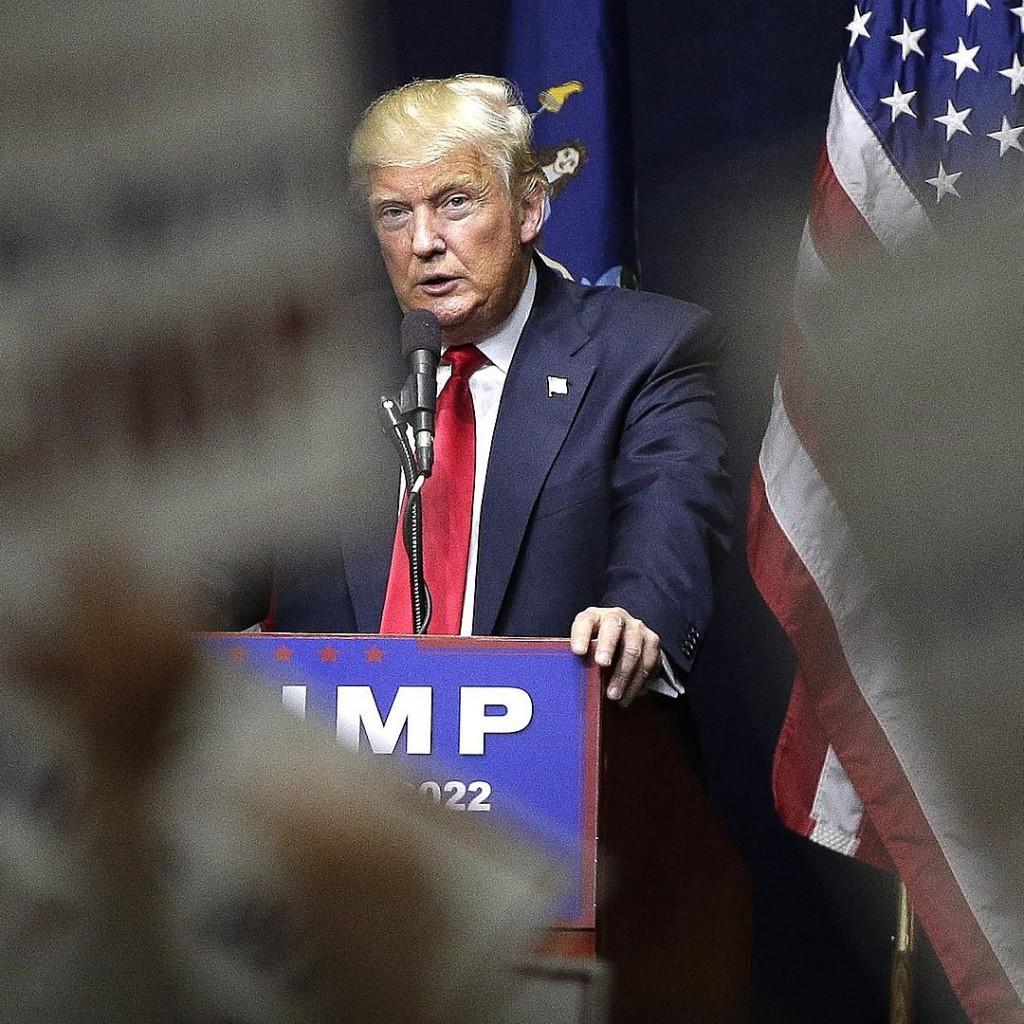 Trump AP poll 04.07