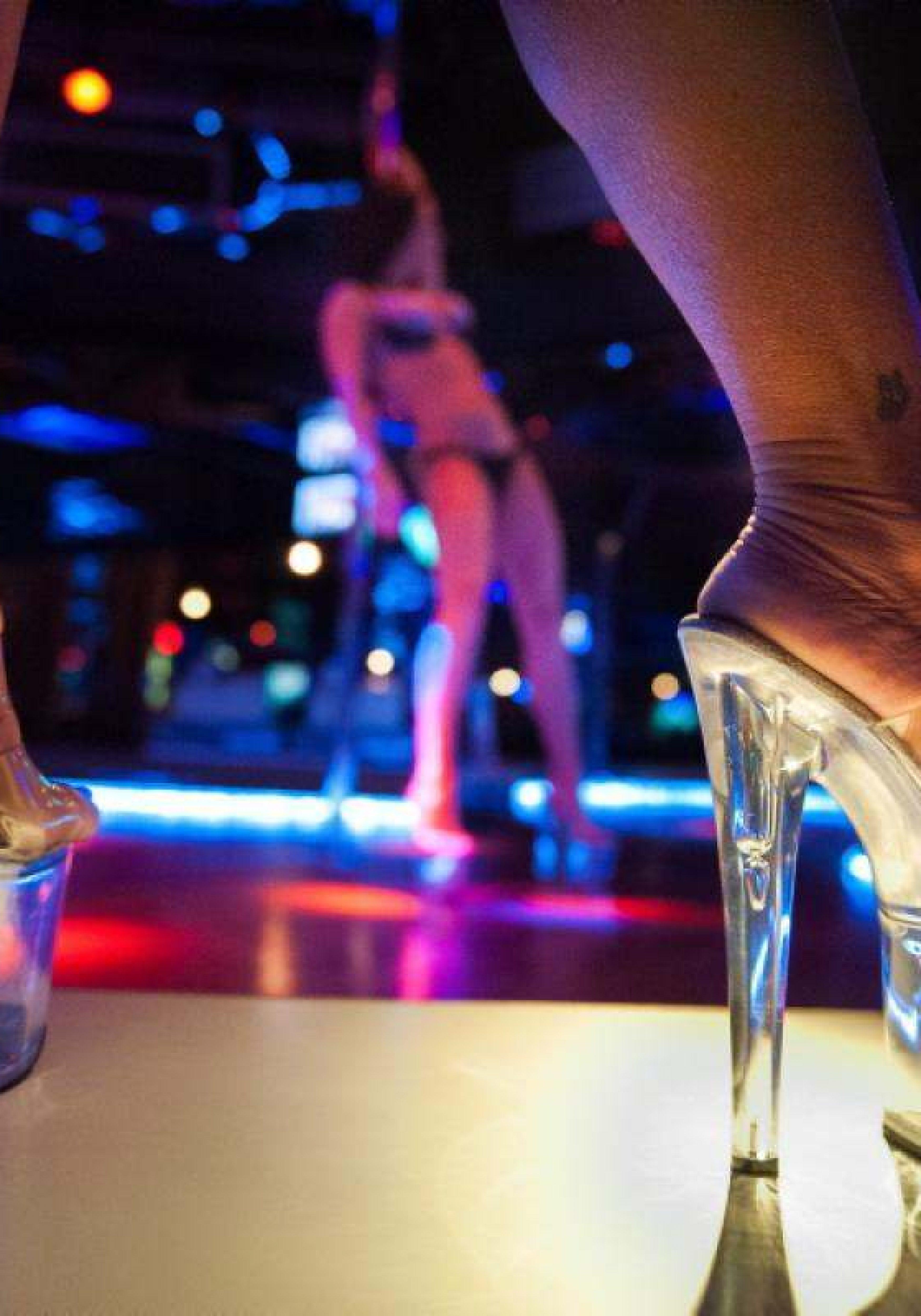 StripClub-3500x5000.jpg