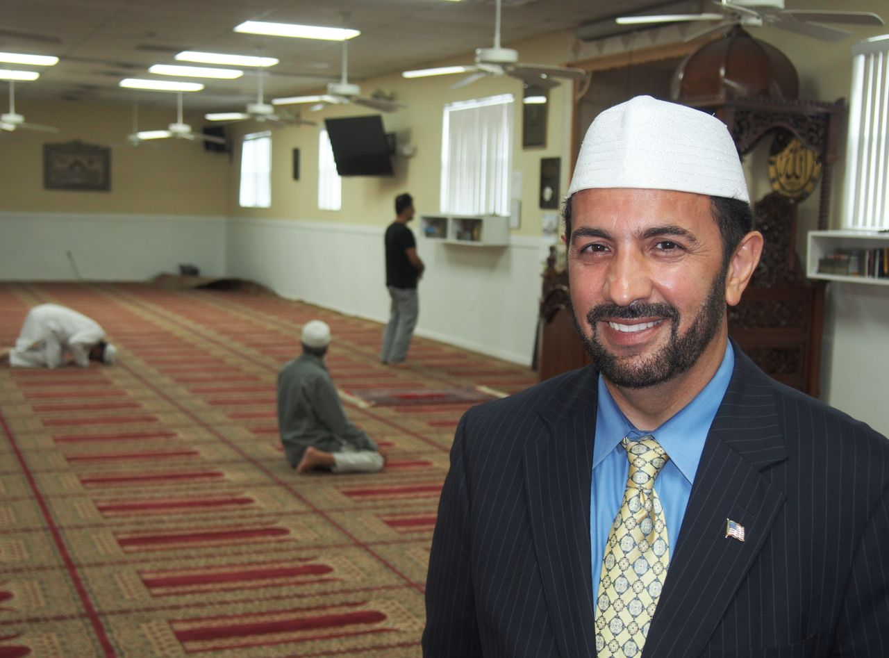 Orlando Muslims seeking to play positive role but do so in fear