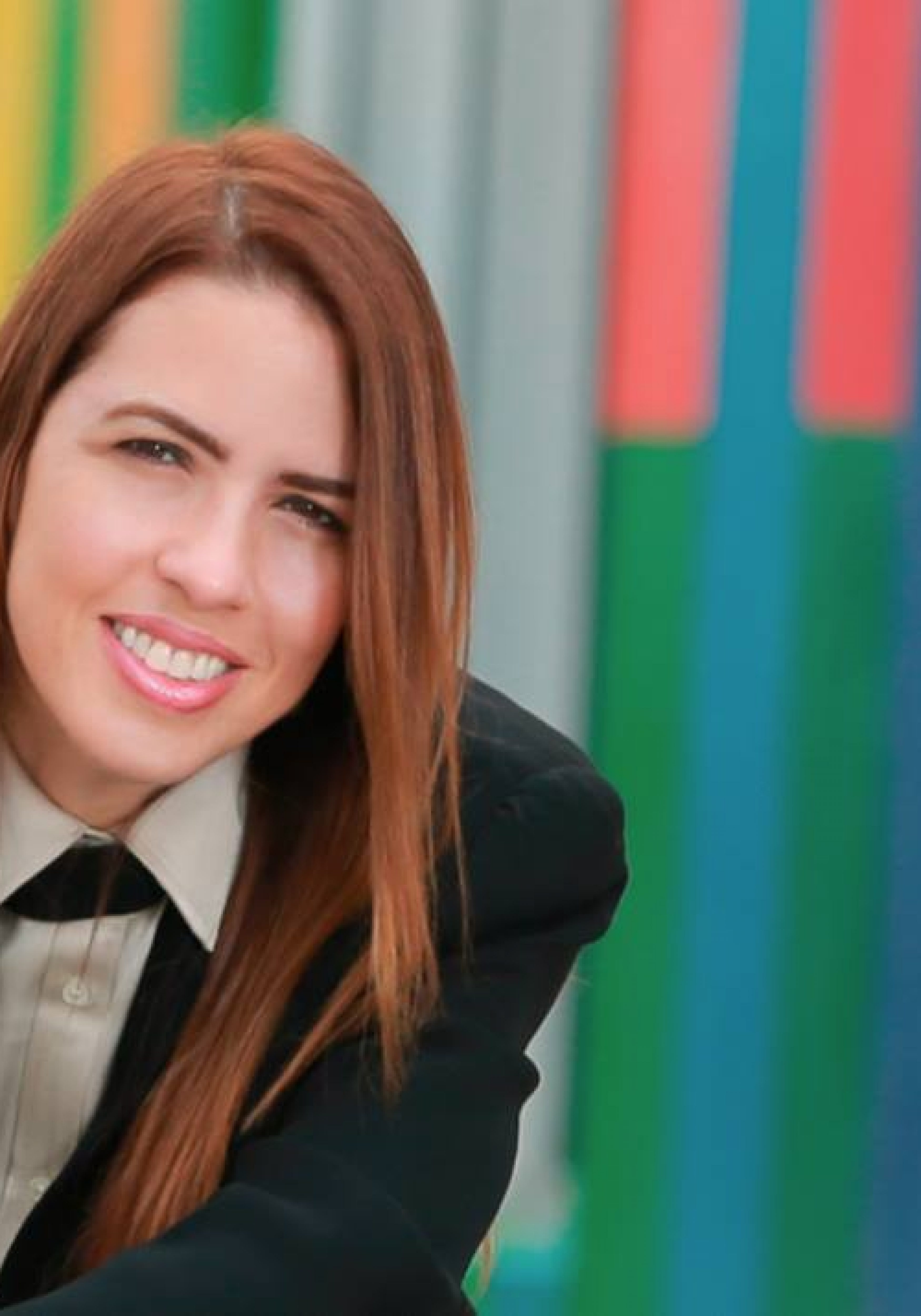 Raquel REGALADO_FACEBOOK