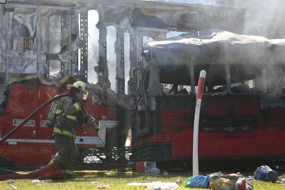 Florida-bus-crash.jpg