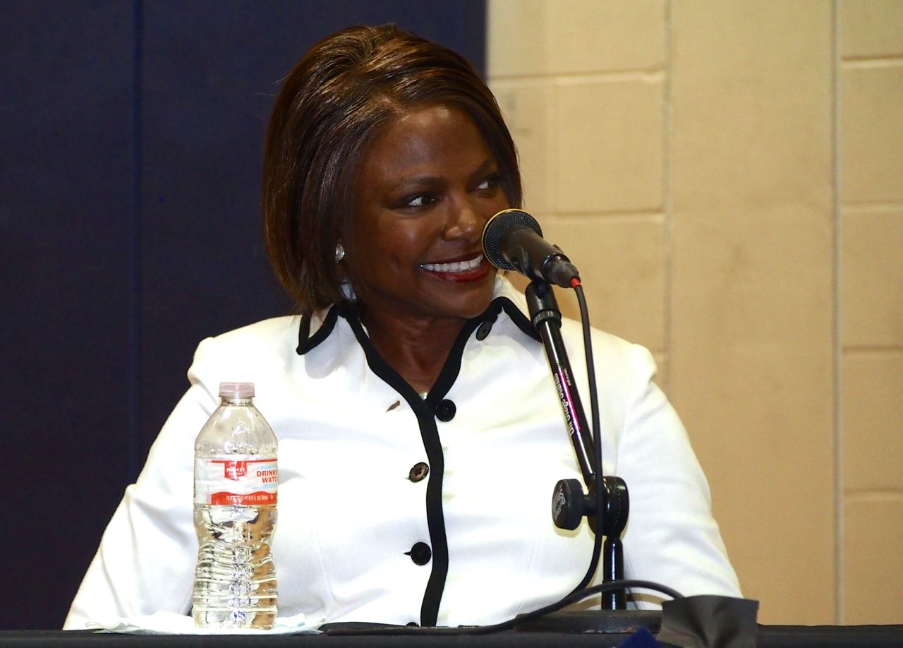 Val-Demings-at-DEC.jpg