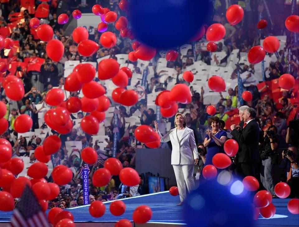 clinton-balloons.jpg