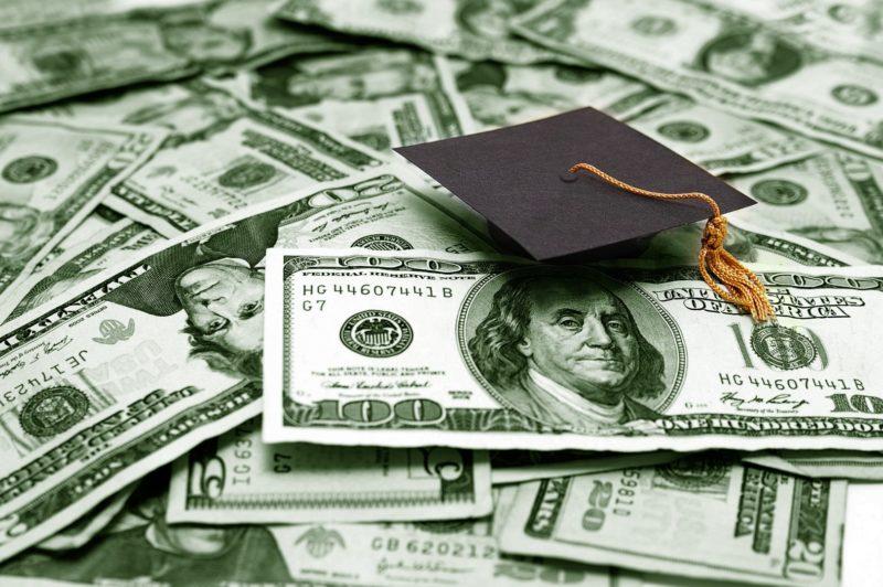 college-scholarship-Large-e1489002384505.jpg