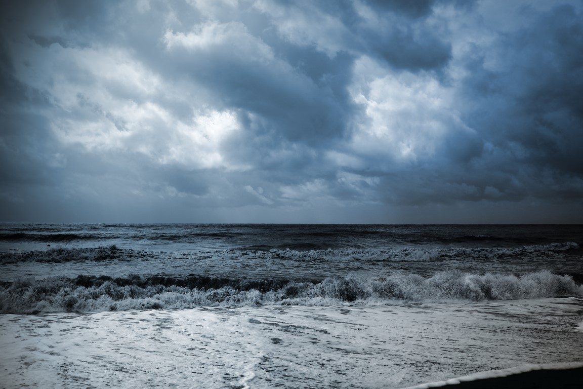 storm-approaching-Medium.jpg