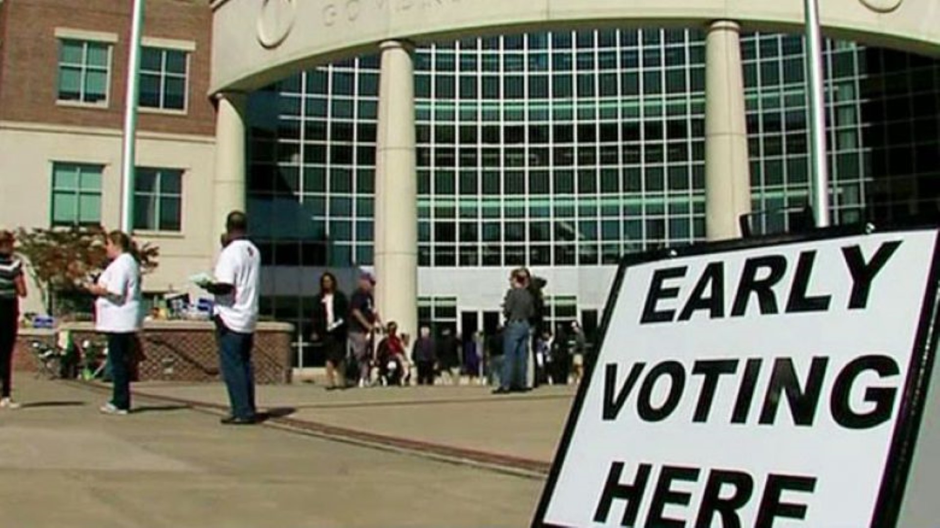 early-voting-10-25-16-large