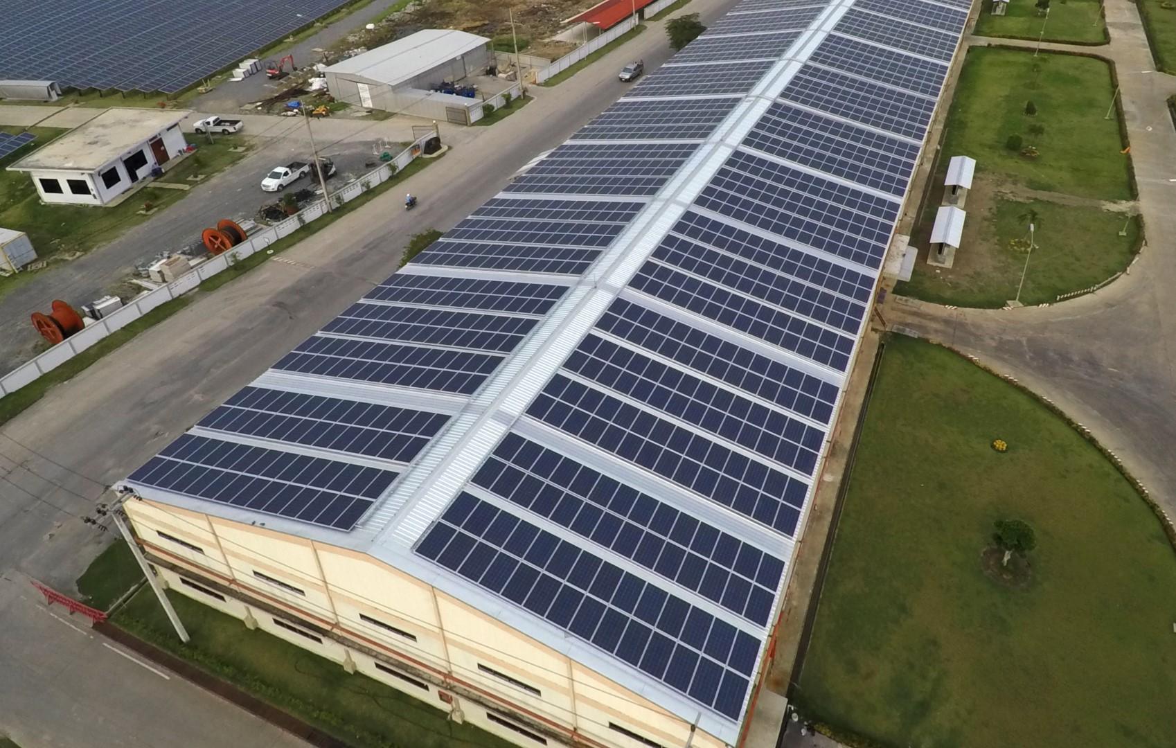 rooftop-solar-panels-Large.jpg