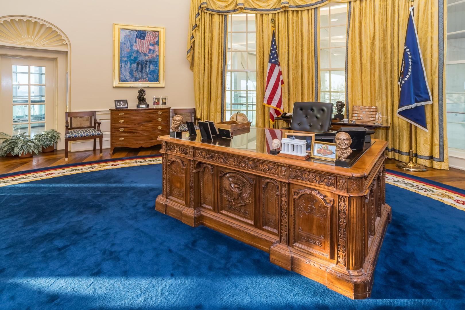 oval-office-2-Large.jpg
