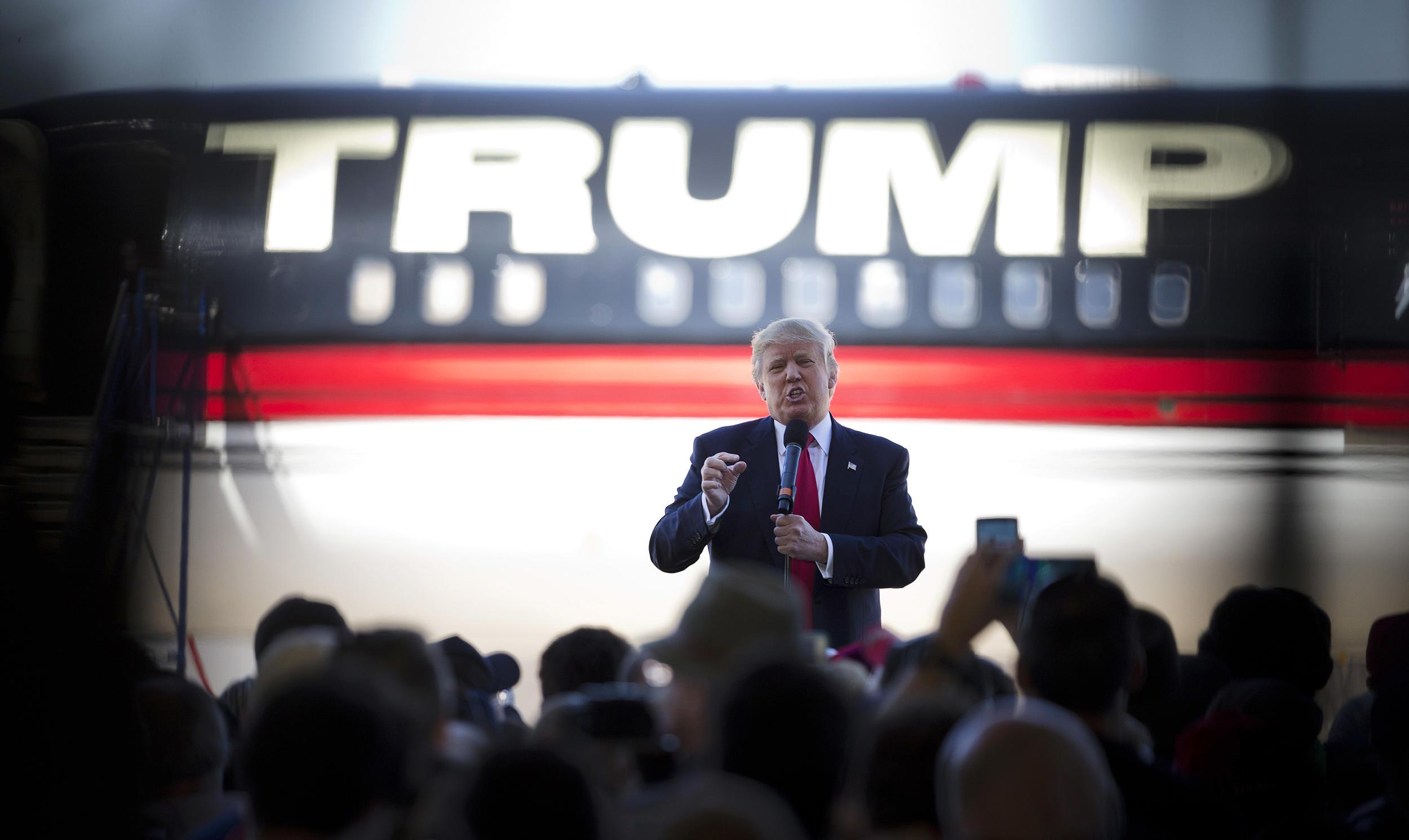 Trump-AP-photo-02.12.17.jpg