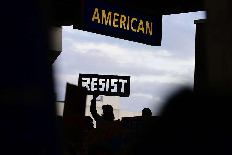 Trump-resist-protest.jpg