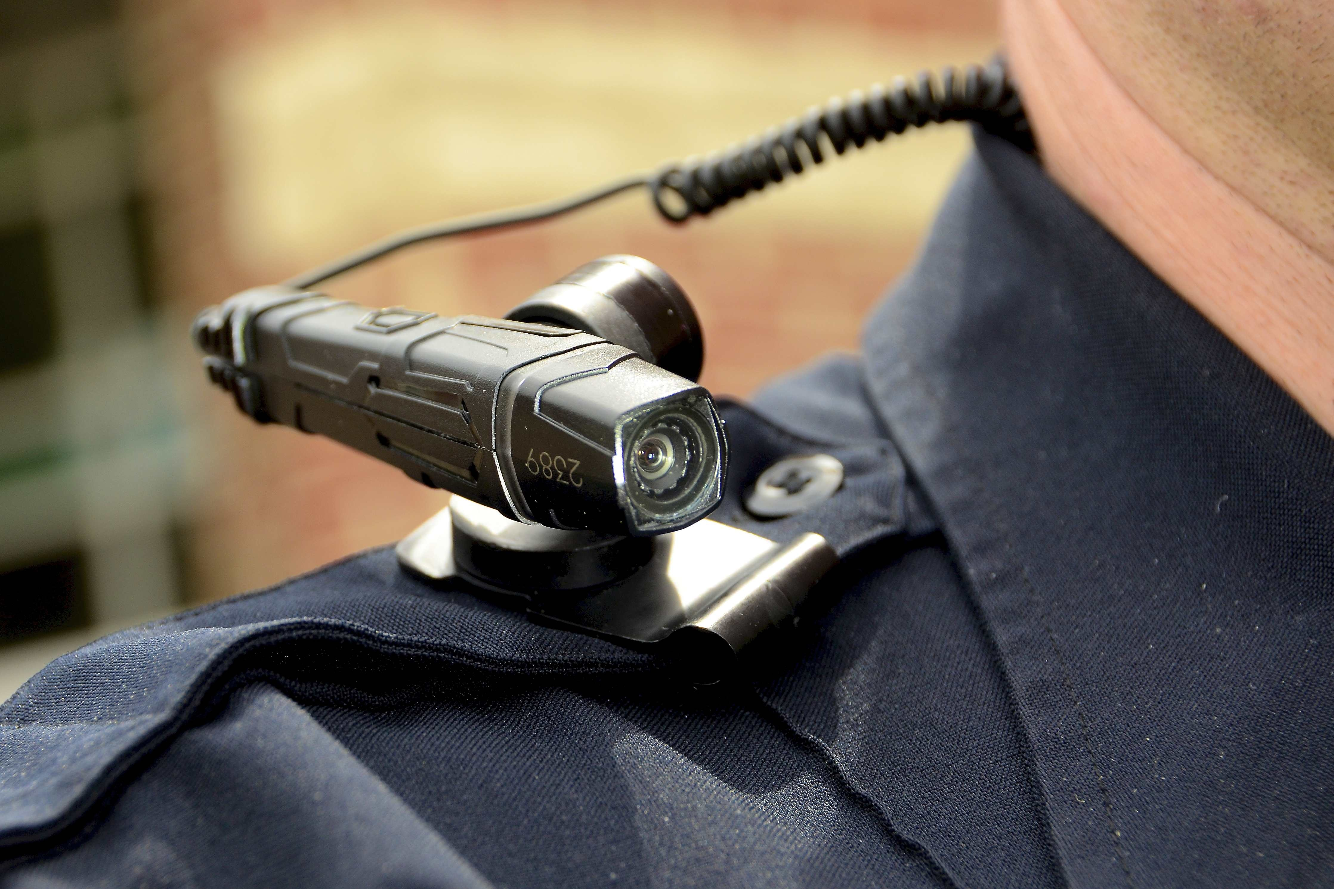 Jacksonville police body camera discussion exposes old ...