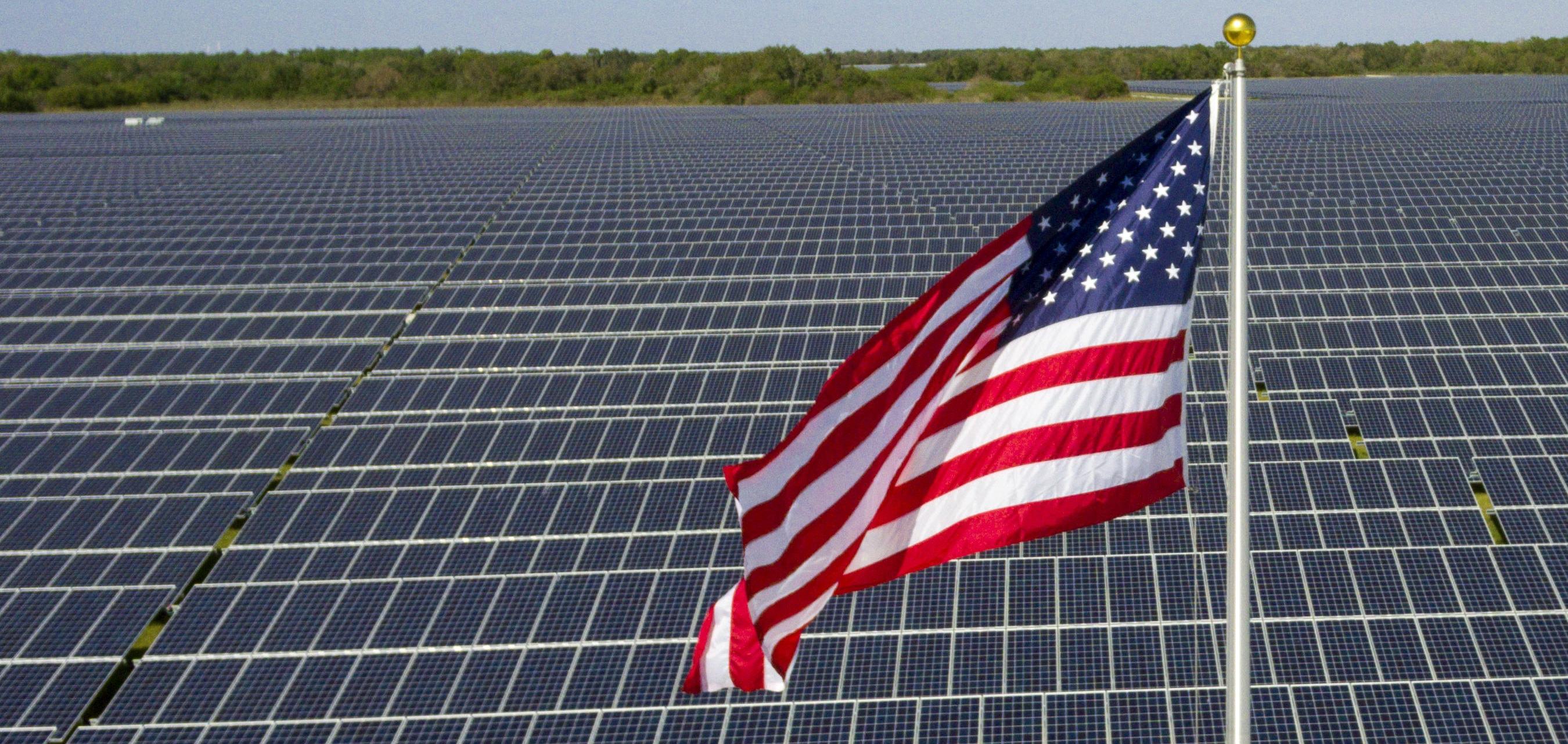 Flag-at-FPL-Manatee-Solar-Energy-Center-Manatee-County-Fla-1-e1492787254871.jpg