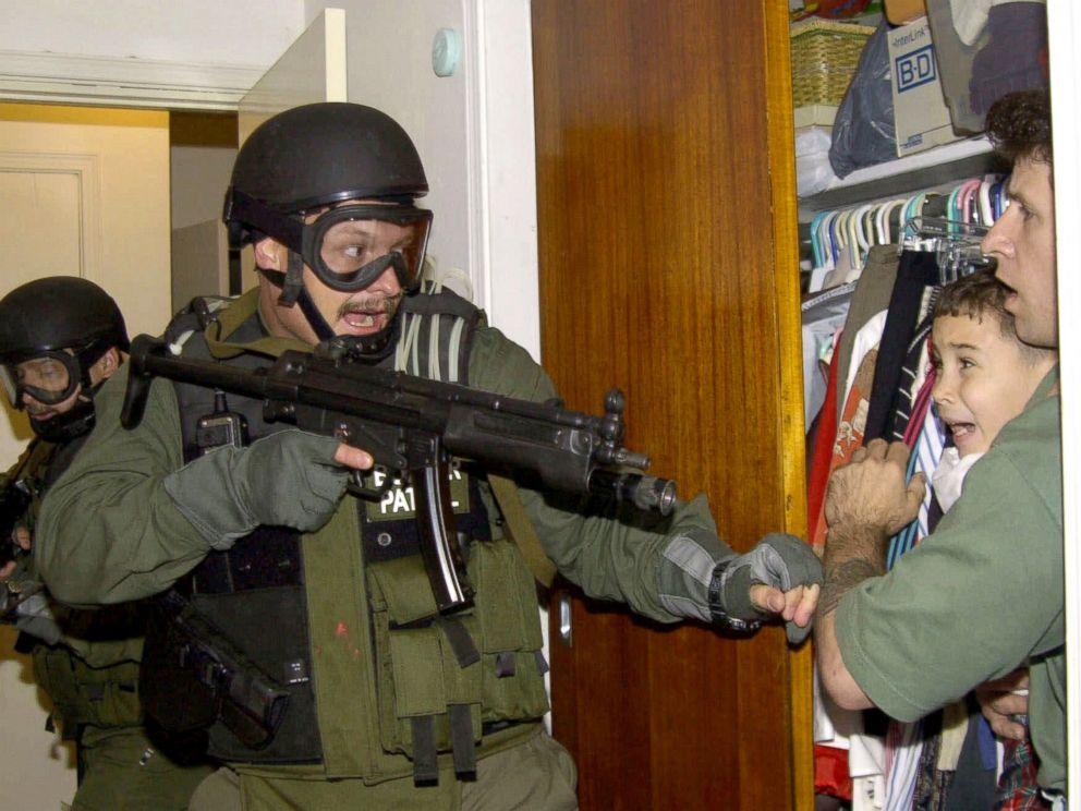 AP_elian_gonzales_raid.jpg