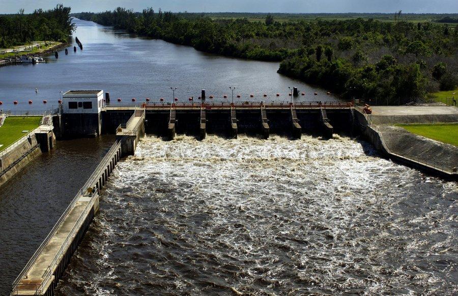 Lake-Okeechobee-water-release.jpg