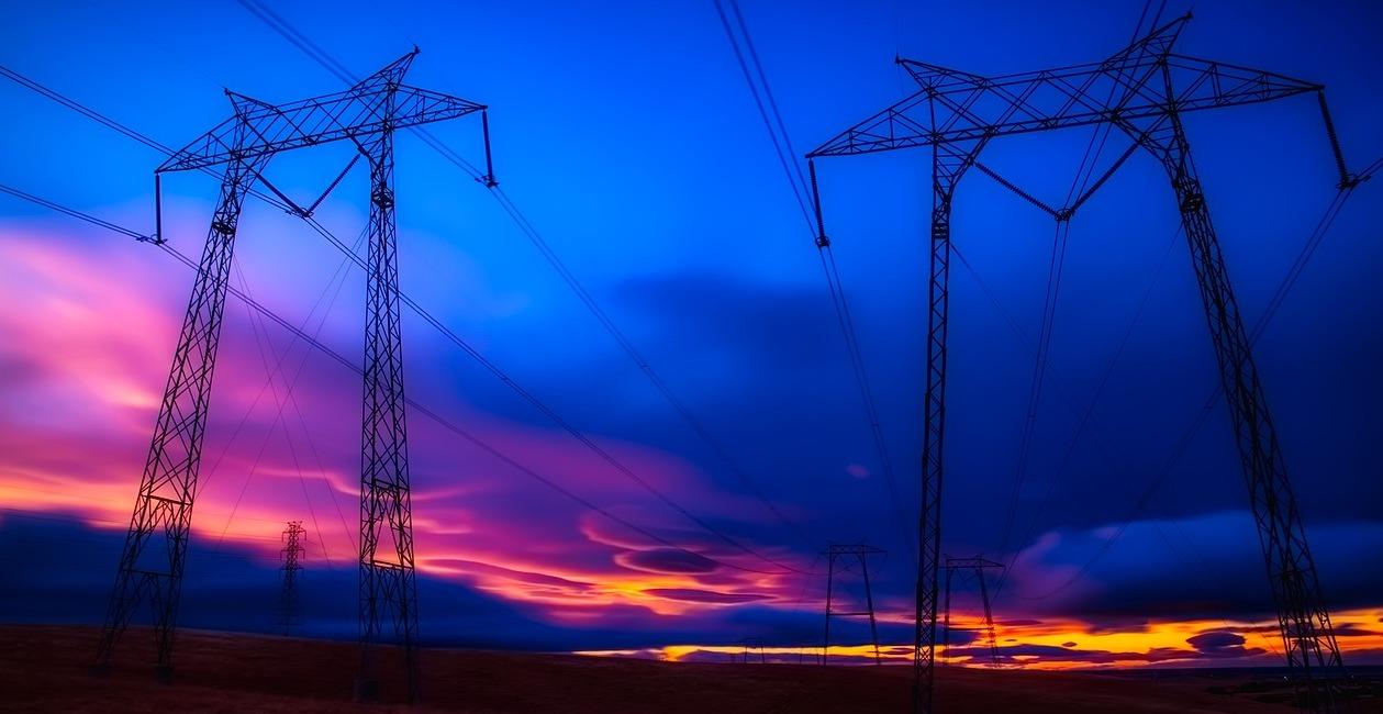 power-lines-2647424_1280.jpg