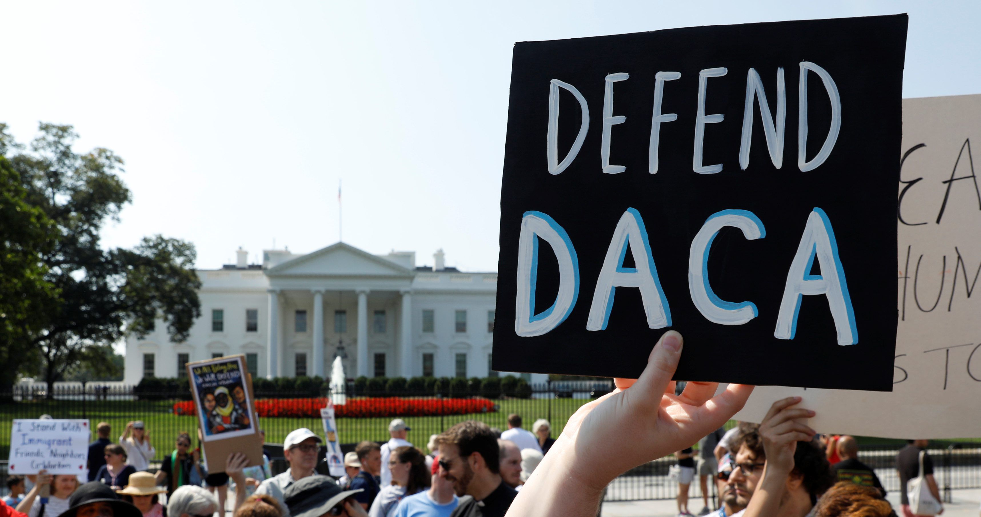 daca-wh-protest-e1504633401213.jpg