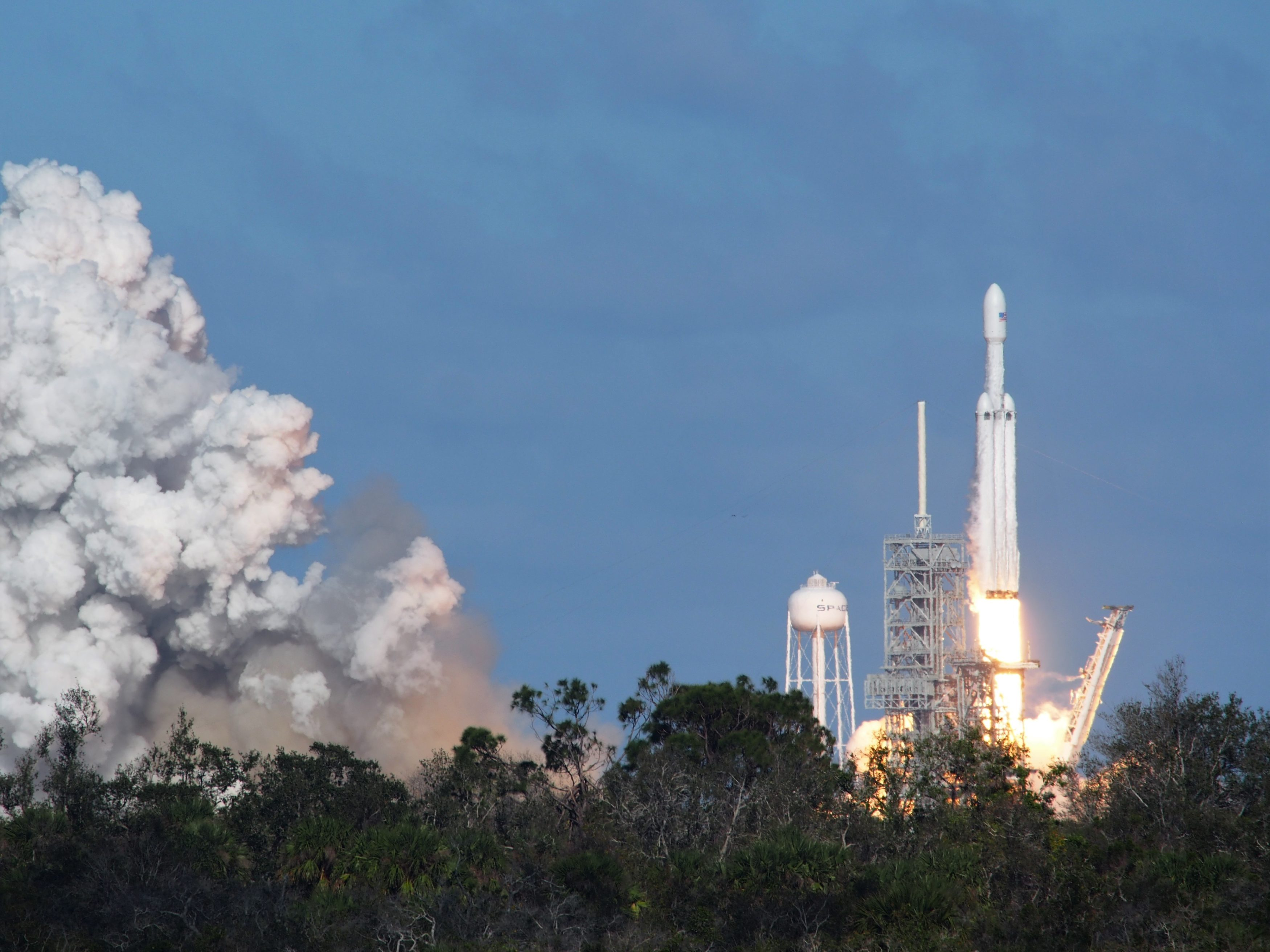 SpaceX-Falcon-Heavy-launch-3500x2625.jpg