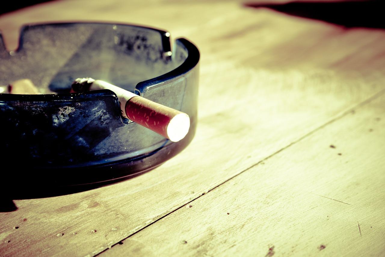cigarette-599485_1280.jpg