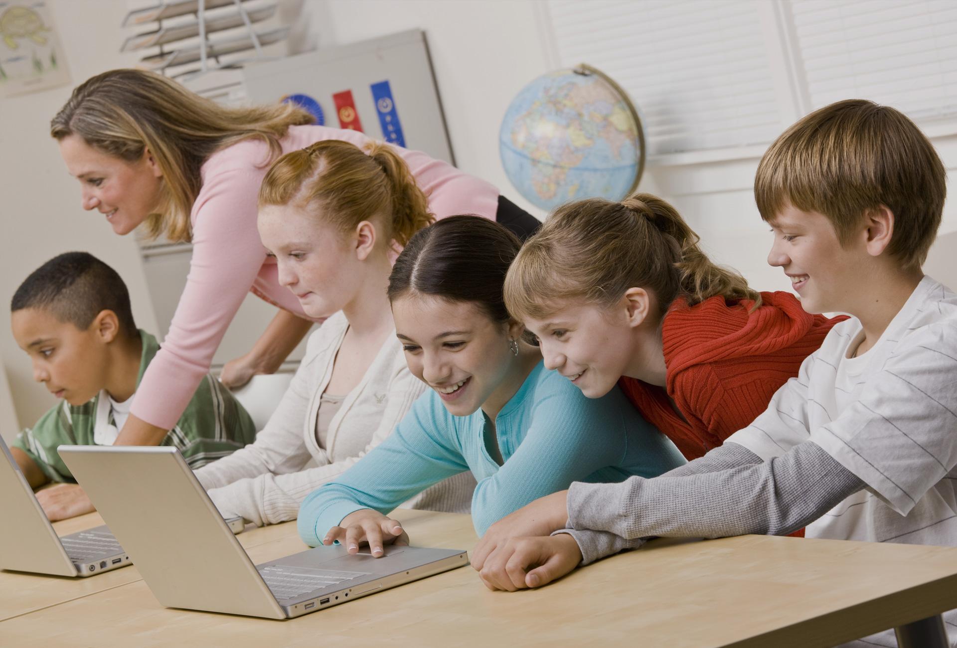 social-media-in-schools.jpg