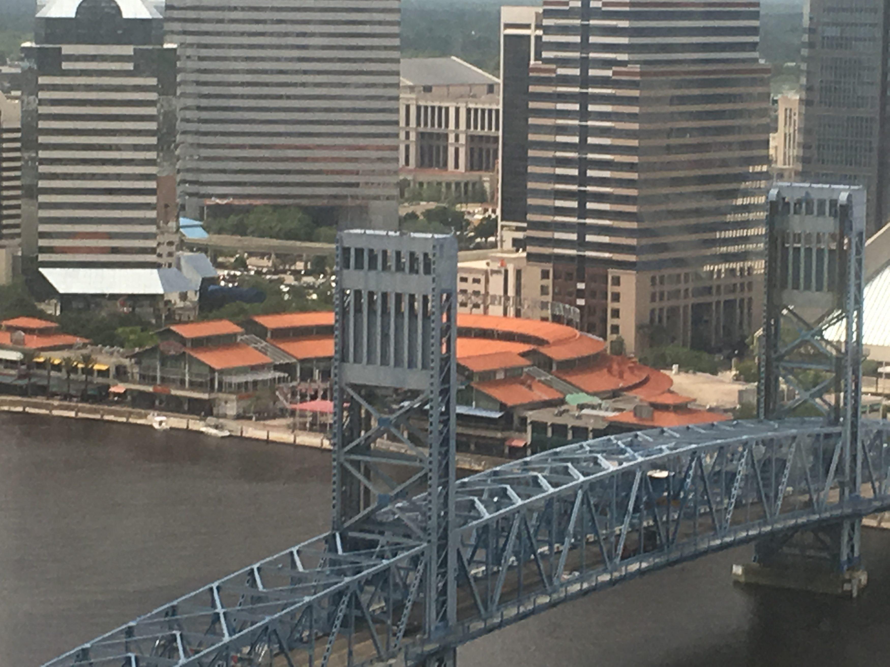 Jacksonville-Main-St-Bridge-Landing-Courthouse-3500x2625.jpg