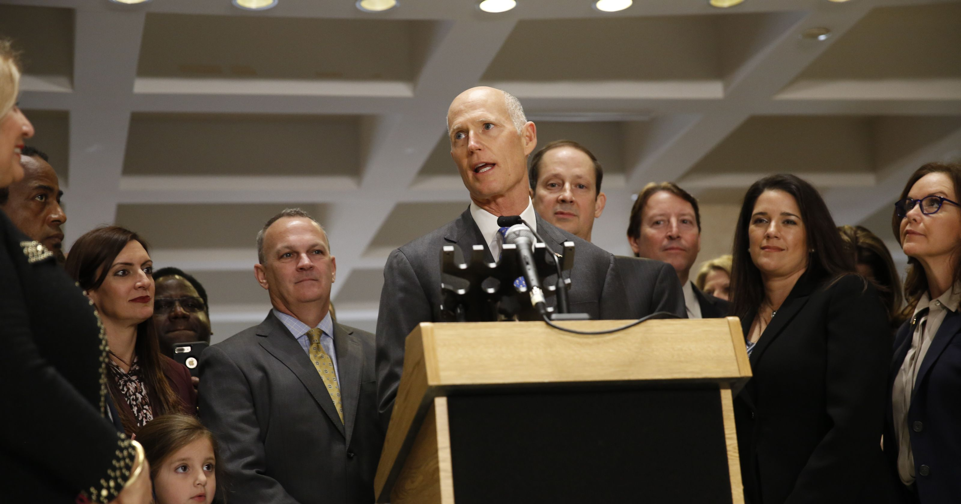 Rick-Scott-and-the-Florida-Cabinet-marks-an-easement-record..jpg