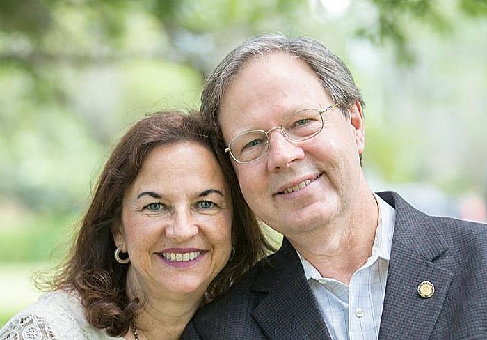Scott-Plakon-and-his-wife-Susie.jpg