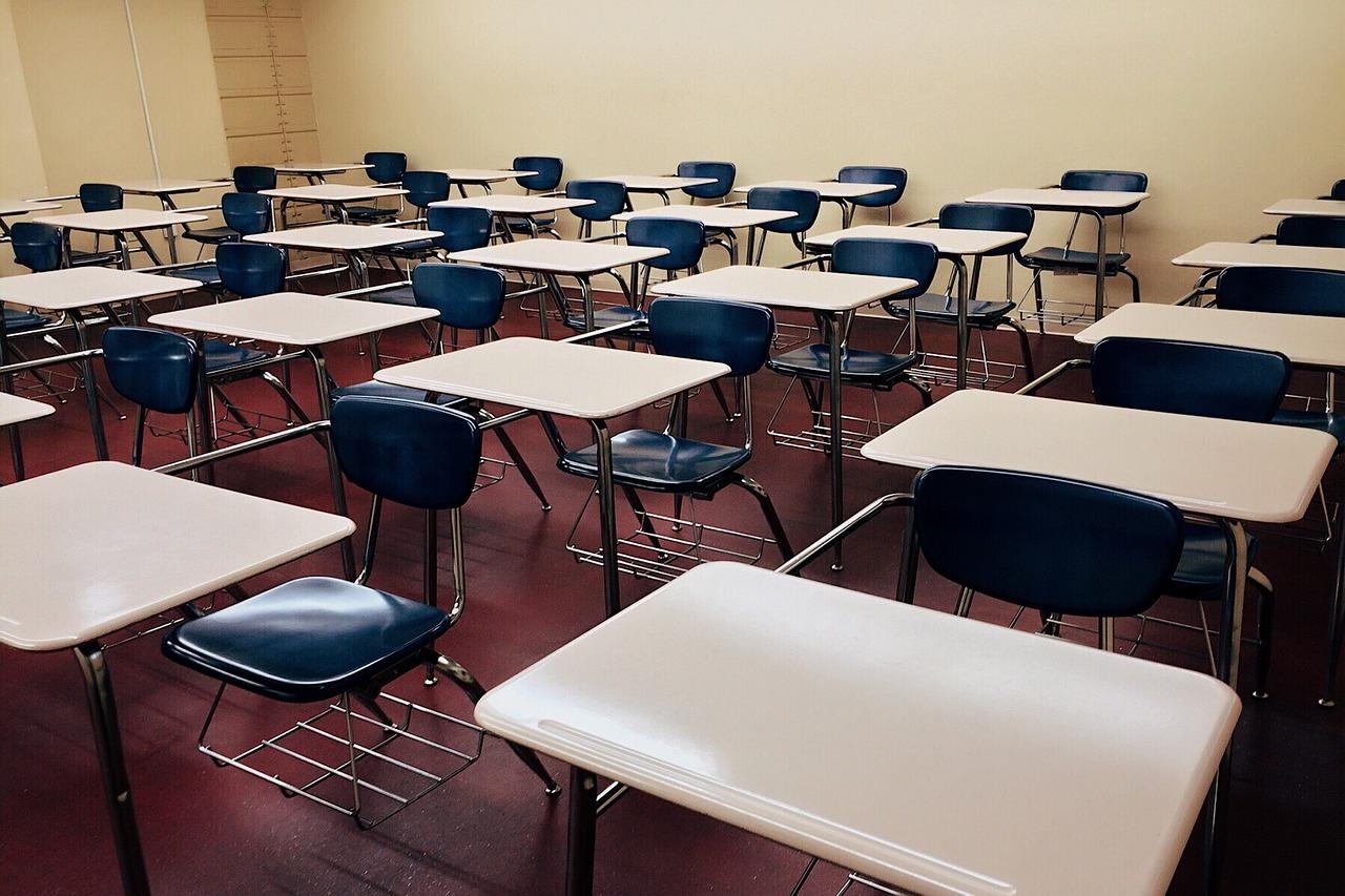 classroom-1910011_1280.jpg