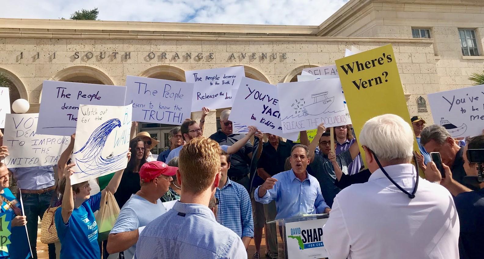 David-Shapiro-Vern-Buchanan-yacht-protest.jpeg