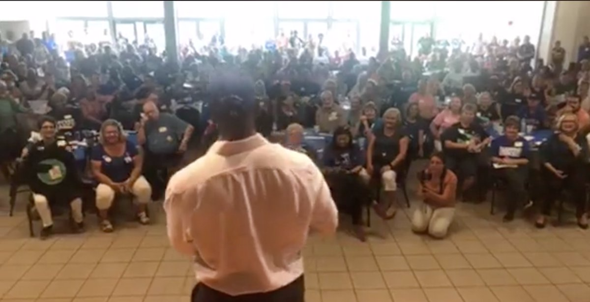 Andrew-Gillum-speaks-to-crowd-in-Palatka.png
