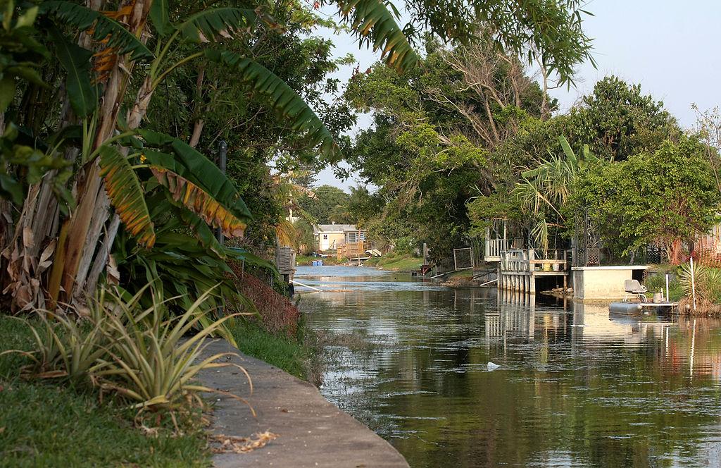 1024px-Margate_Canal.jpg