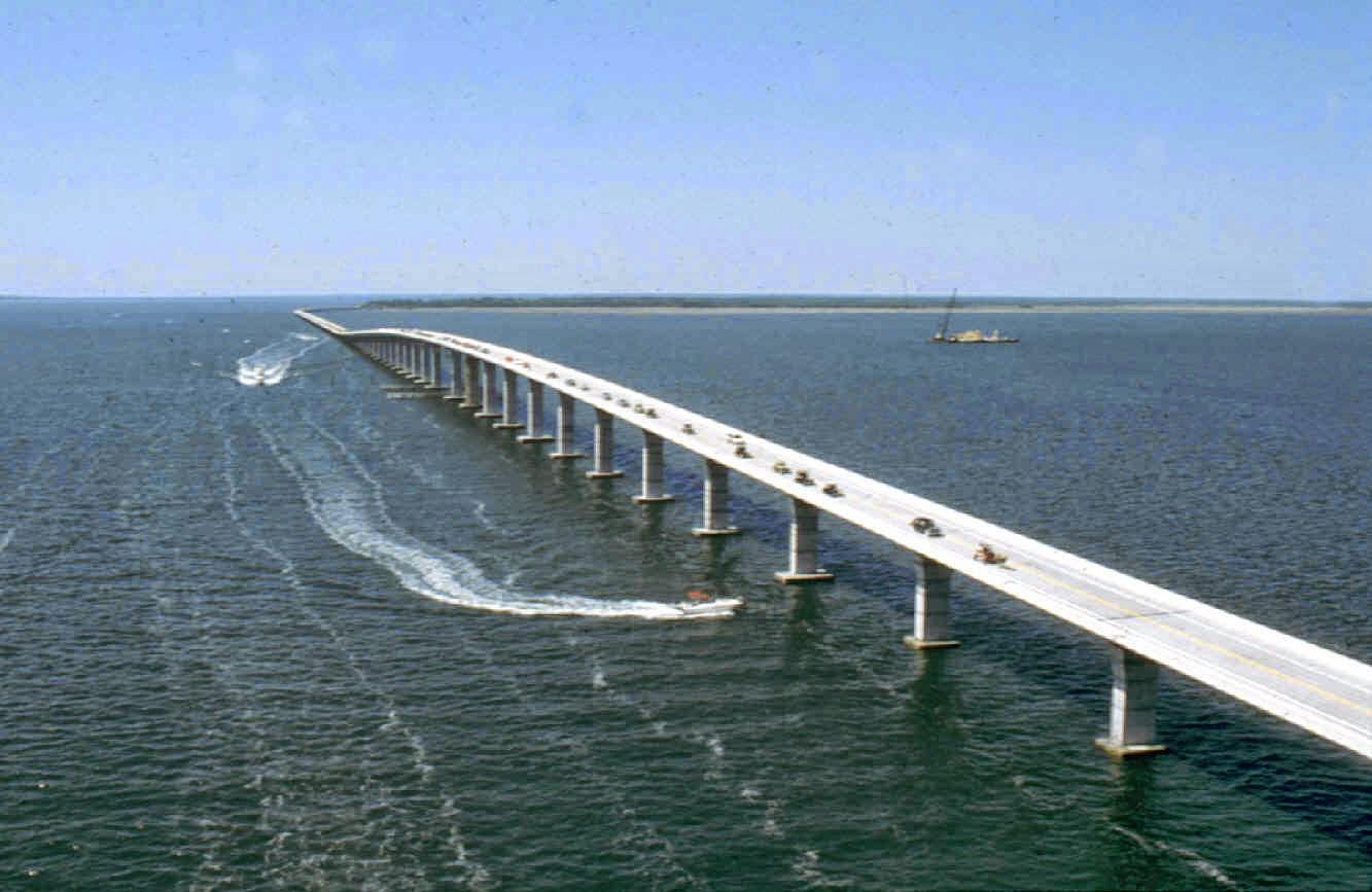 Bos-bridge.jpg