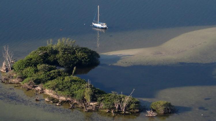 Indian-River-Lagoon-poop.jpg