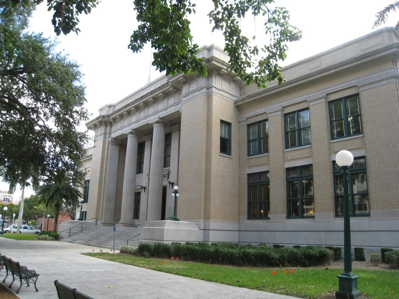 Old-Lee-County-Courthouse-e1564766394340.jpeg
