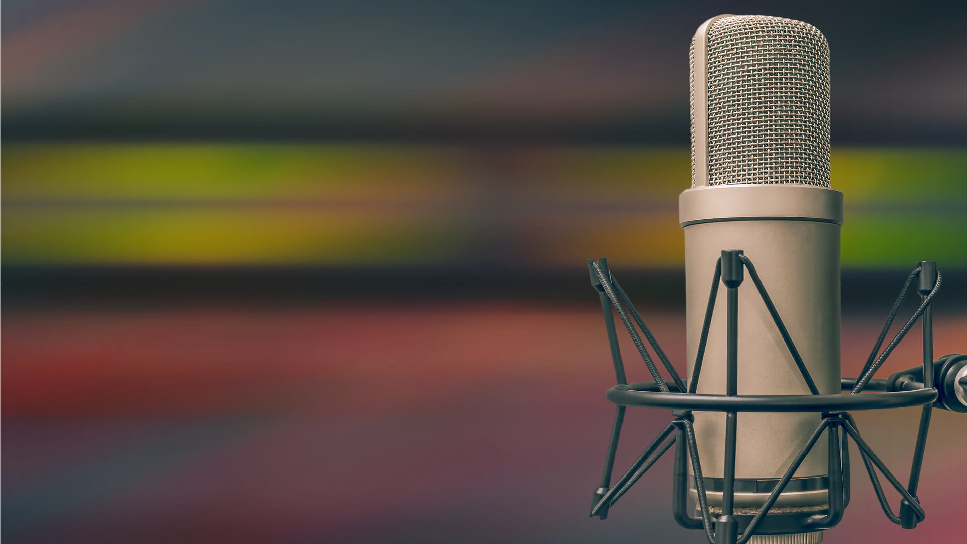microphone-podcast-radio-ss-1920.jpg