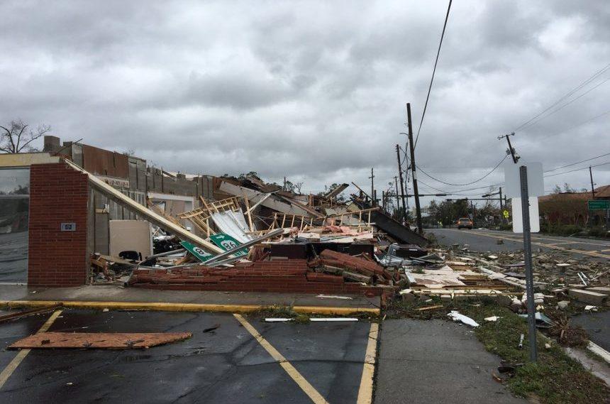 Hurricane-Michael-Damage-Panama-City-Florida-Twitter-Tornado-Trackers-Storm-Chasers-e1539266926456.jpg