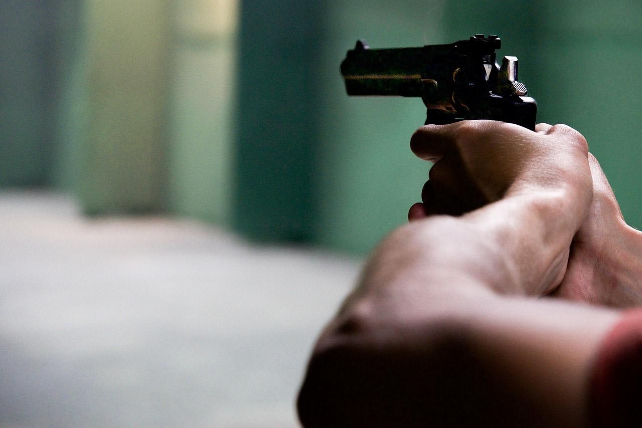 gun-2227646_1280.jpg