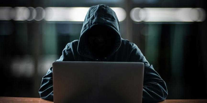 online-scammer.jpg