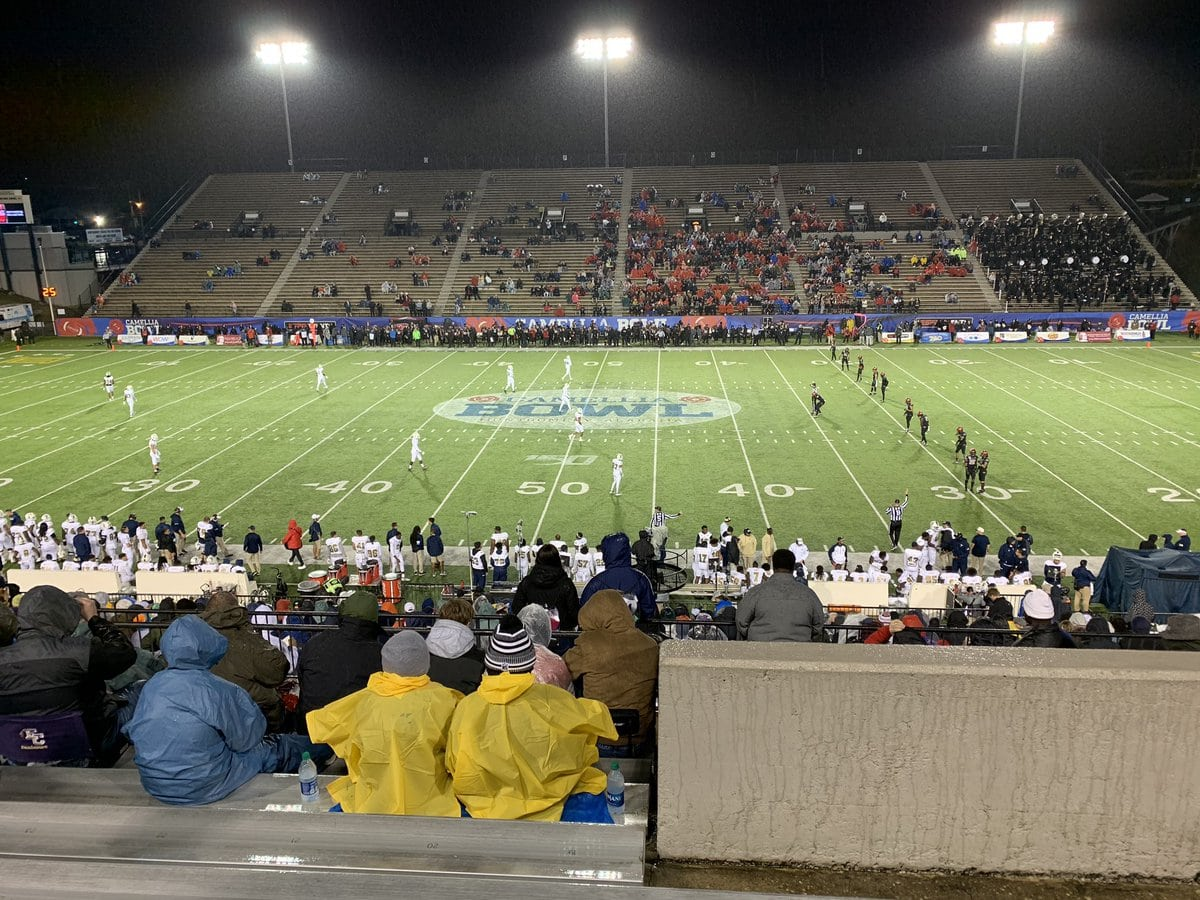 empty-seats-at-a-bowl-game.jpg