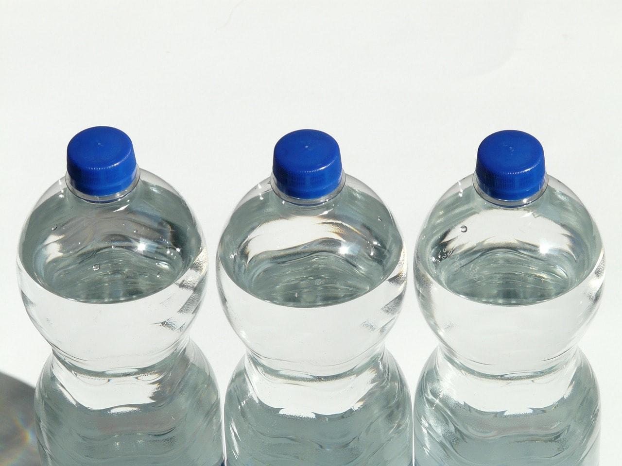 bottles-60479_1280.jpg