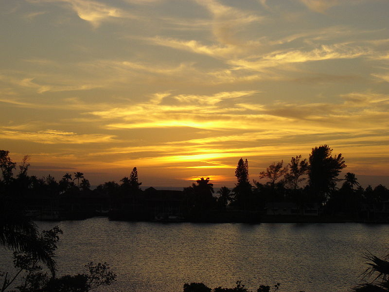 800px-Bonita_Bay_Sunset.jpeg