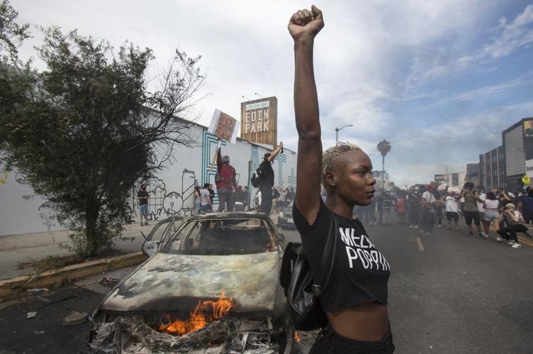 Los-Angeles-protester.jpg